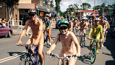 Nude girls in Byron Bay